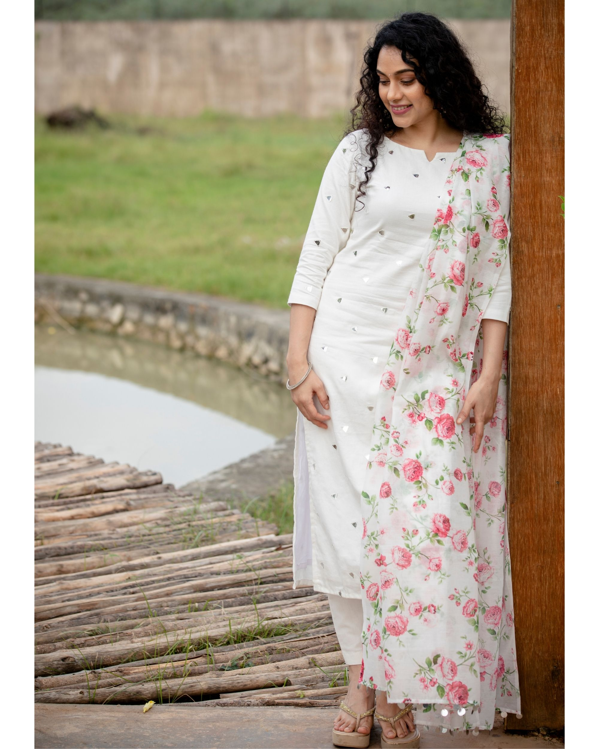 White mirror work kurta with pants and floral printed dupatta - Set Of Three