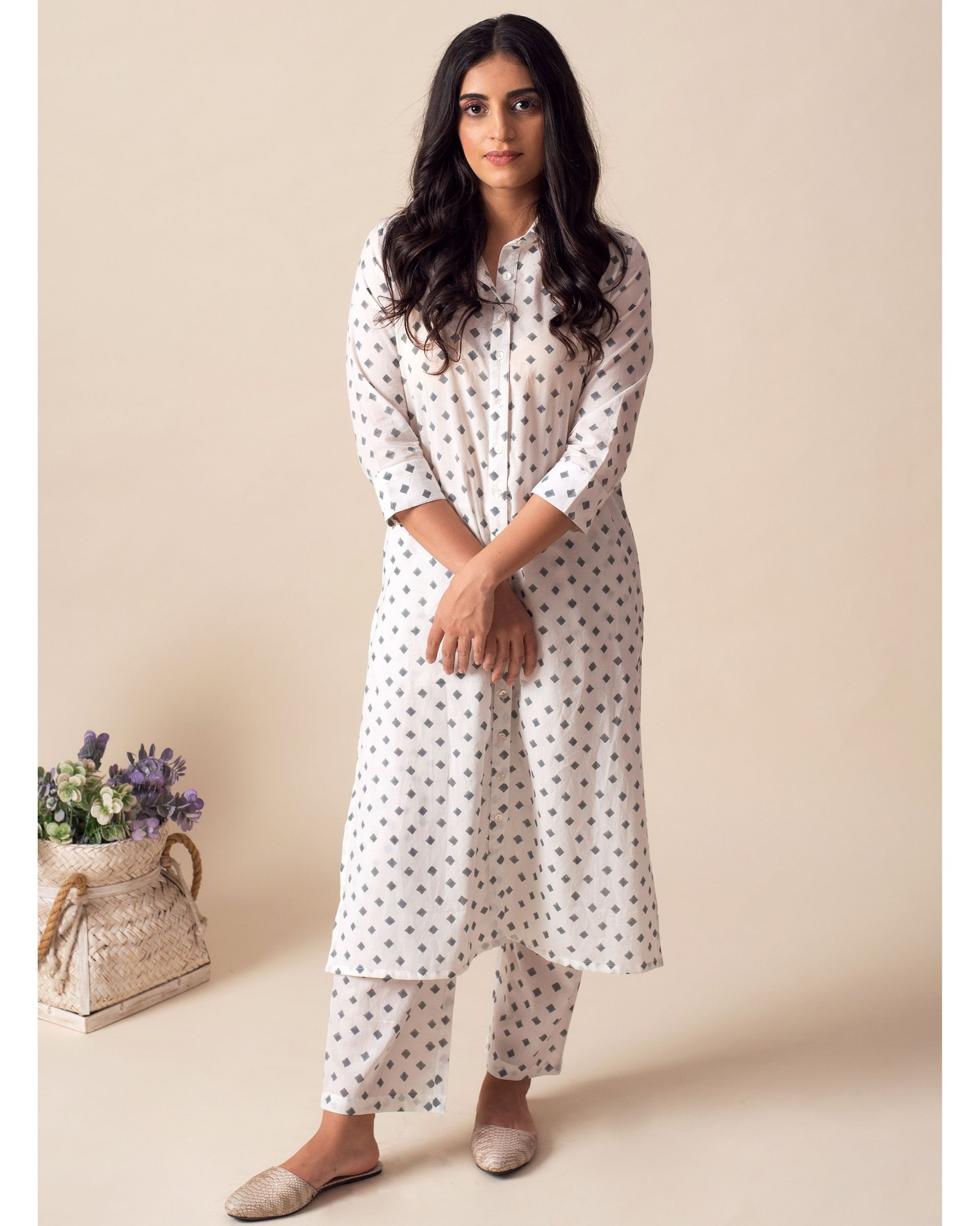 White square printed collared kurta with pants - Set Of Two