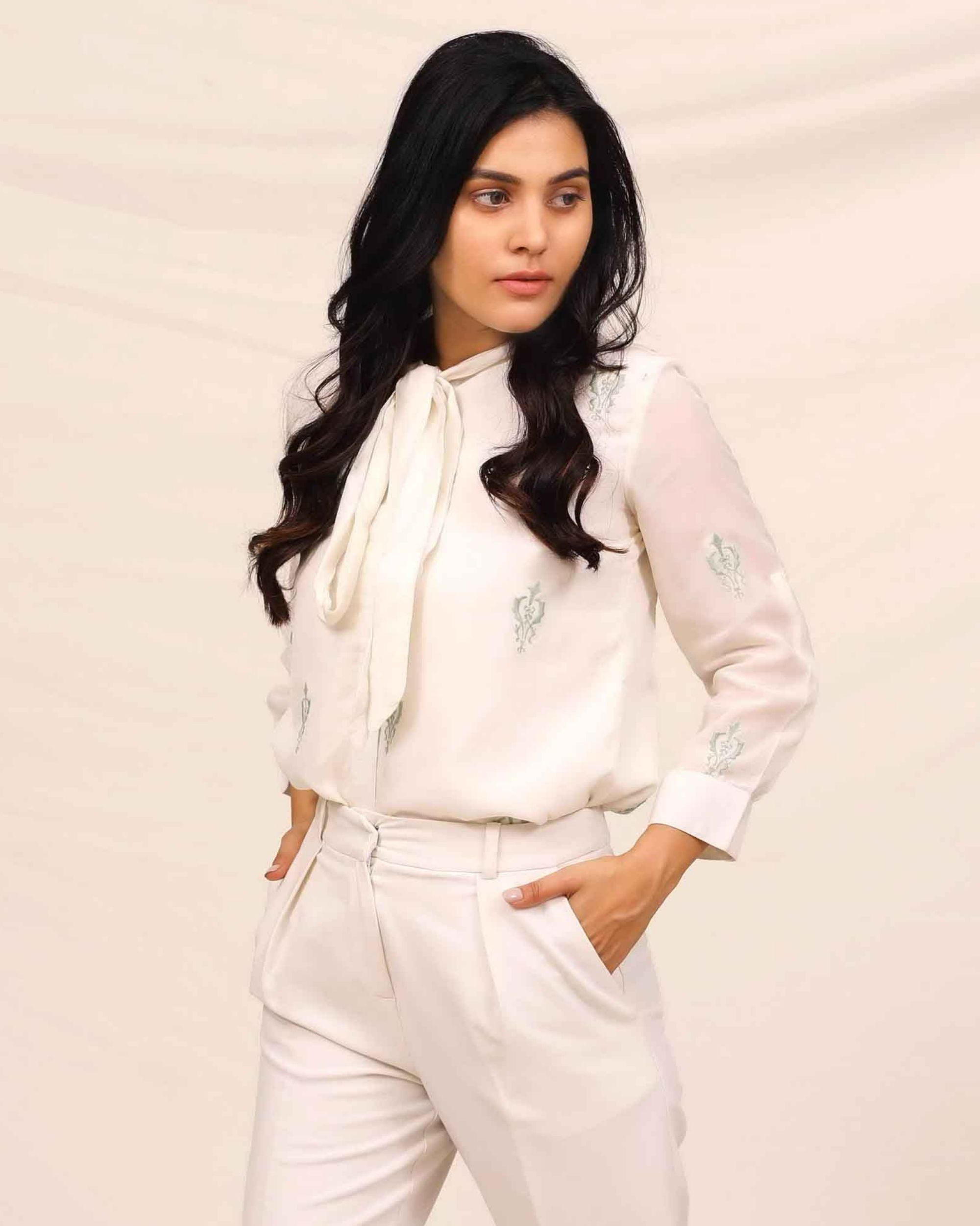White moroccan embroidered shirt