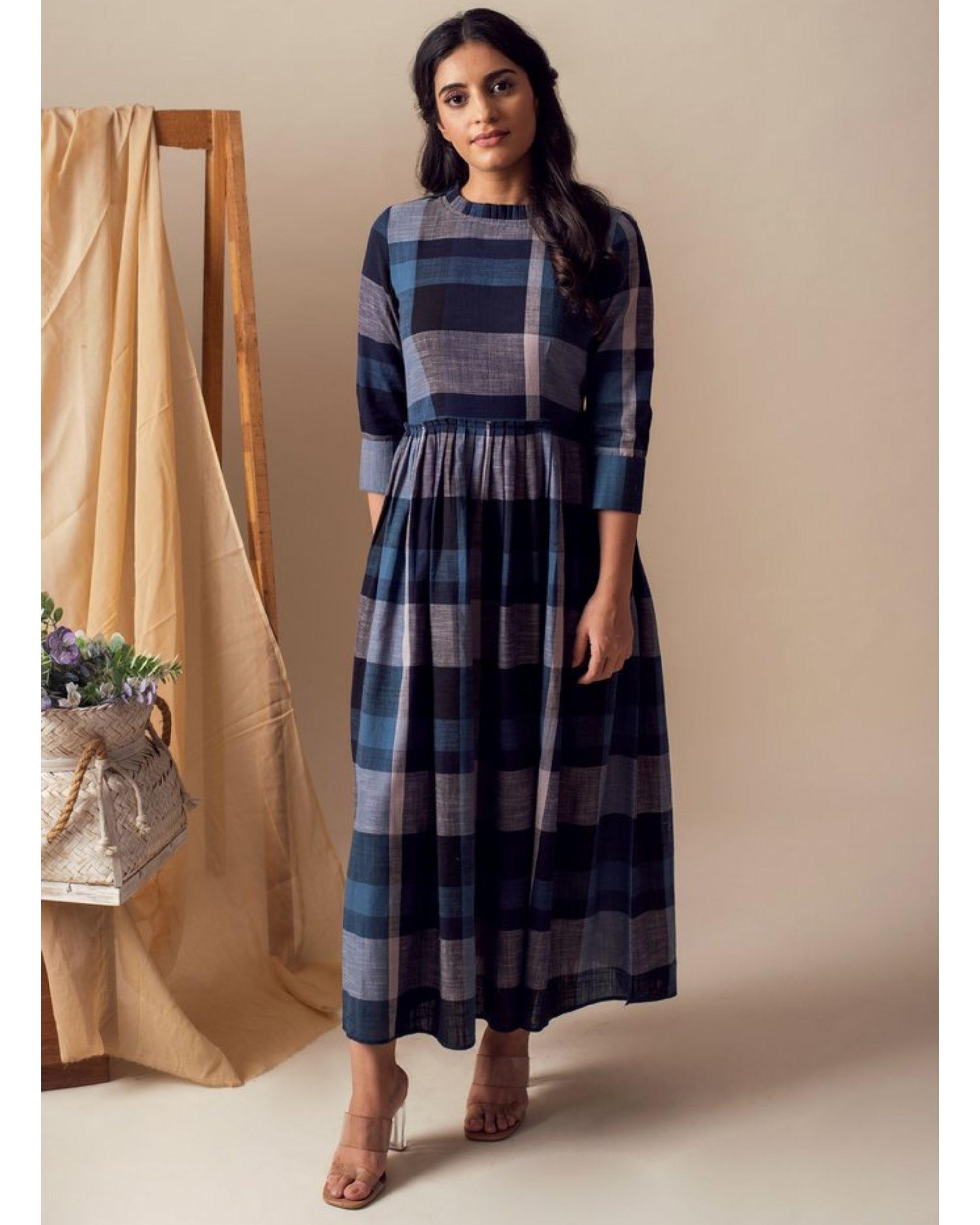 Blue checkered pleated maxi dress