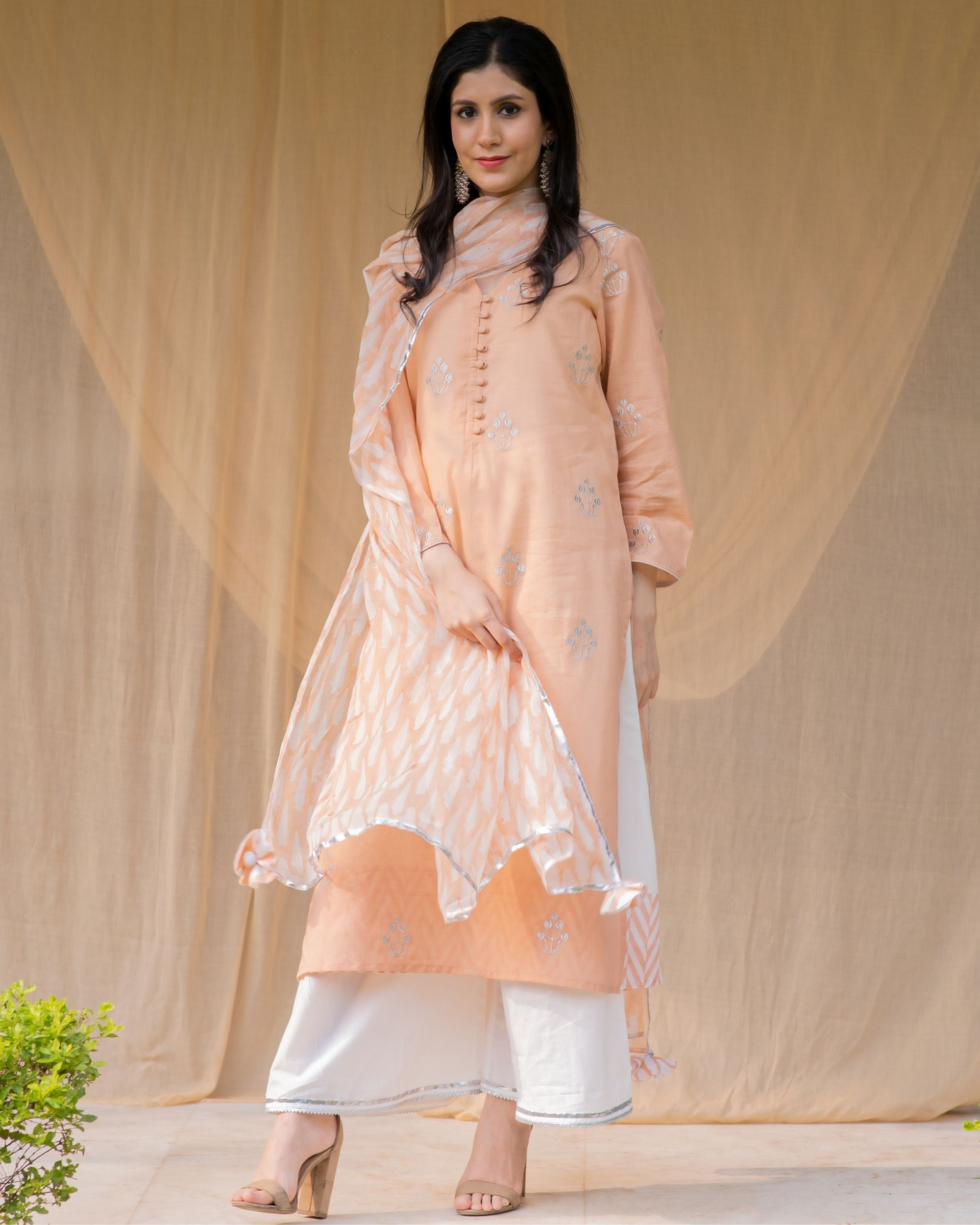 Peach embroidered kurta and palazzo with inner and dupatta - Set Of Four