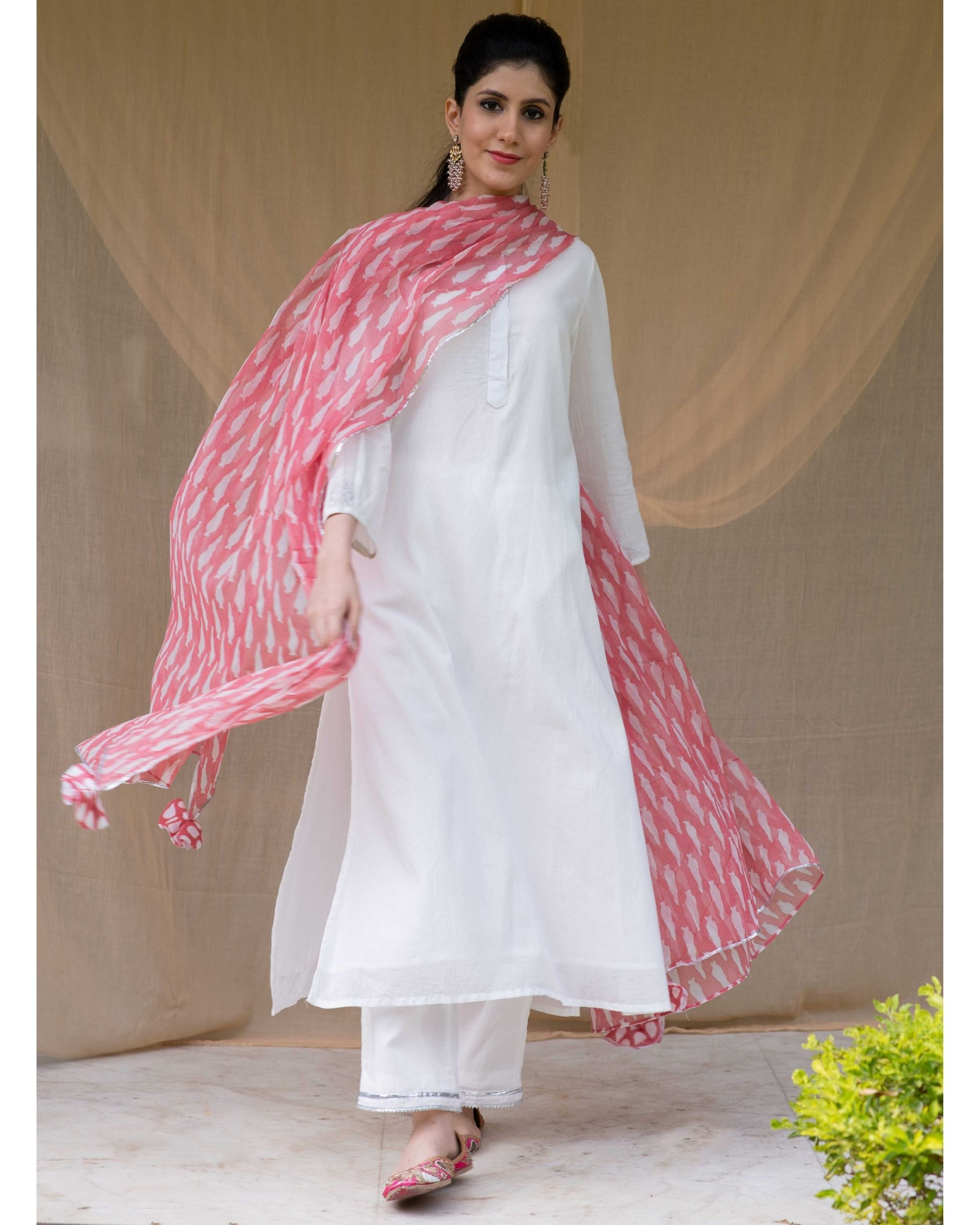 White embroidered kurta and gota pants with red dupatta - Set Of Three