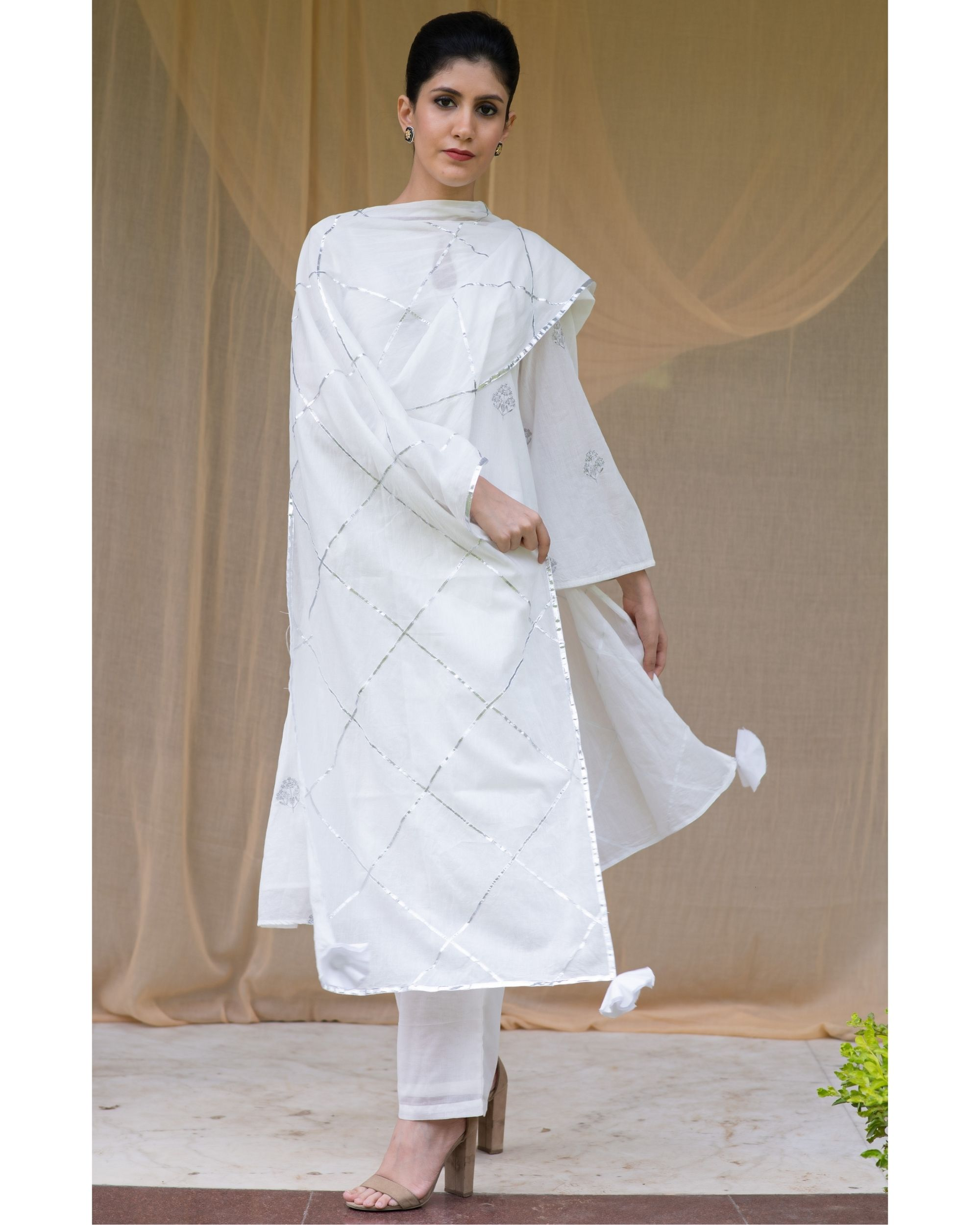 White embroidered kurta and pants with checkered gota dupatta - Set Of Three