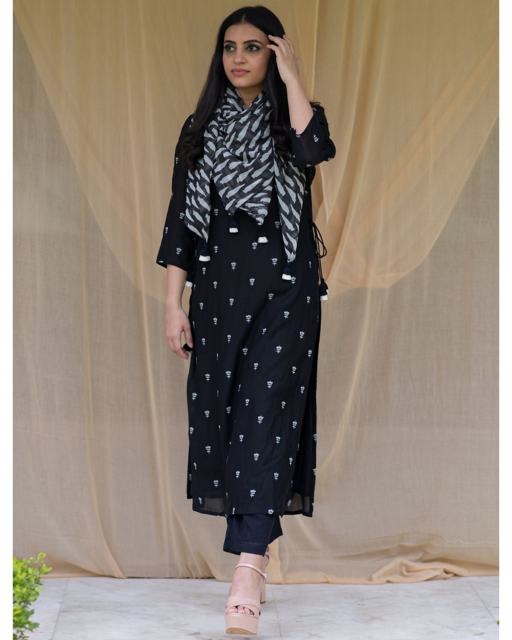 Black embroidered kurta and pants with printed stole - Set Of Three