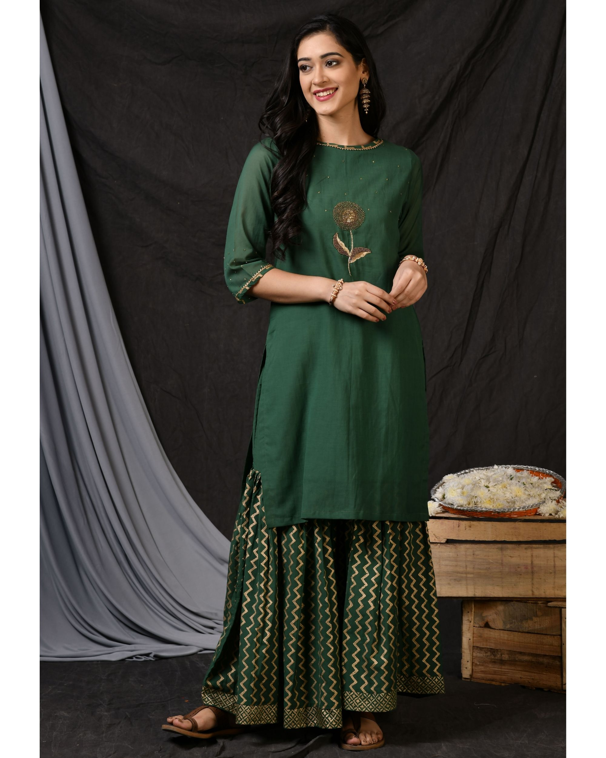 Bottle green floral embroidered sushi voile kurta