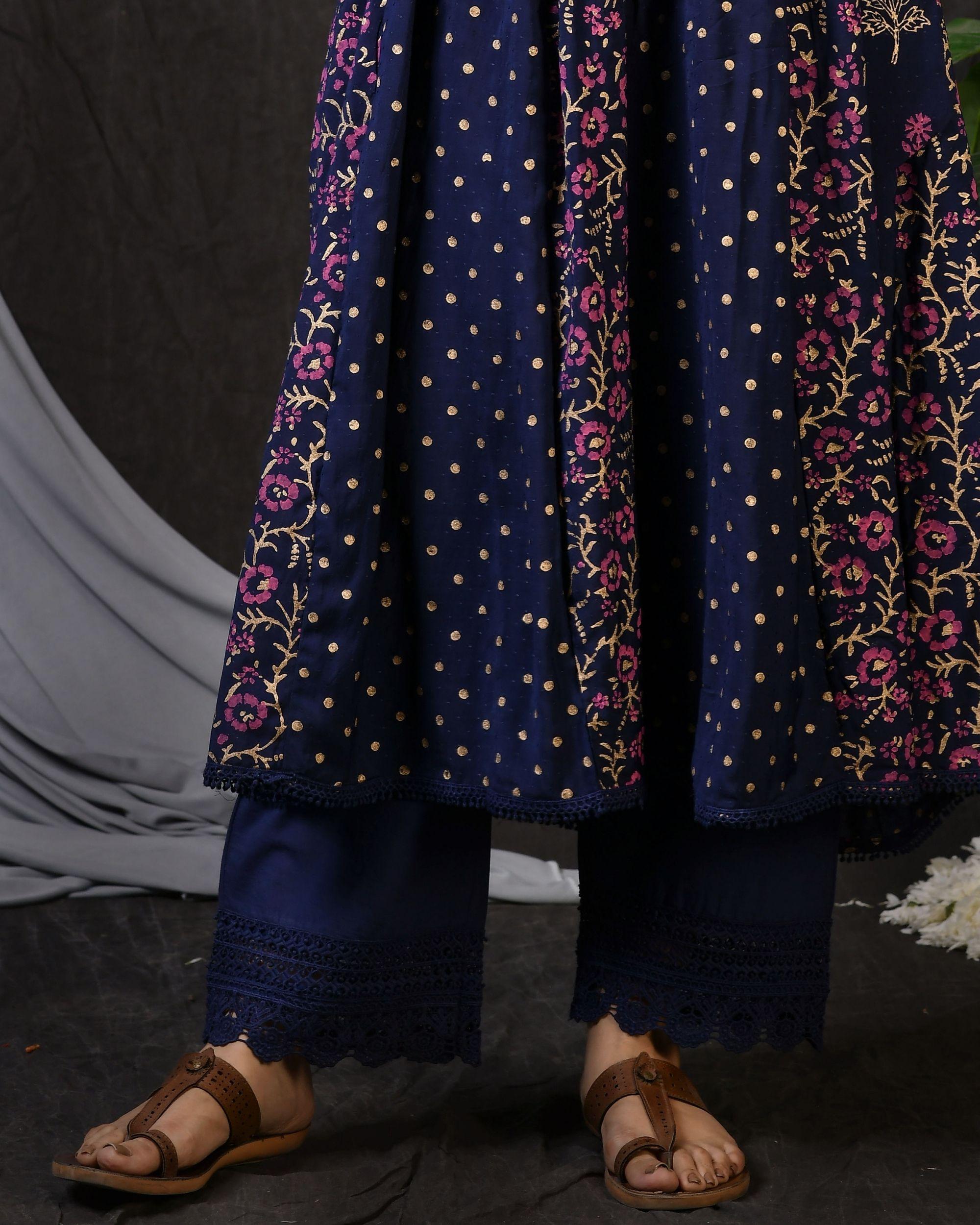Blue cotton pants with lace detailing
