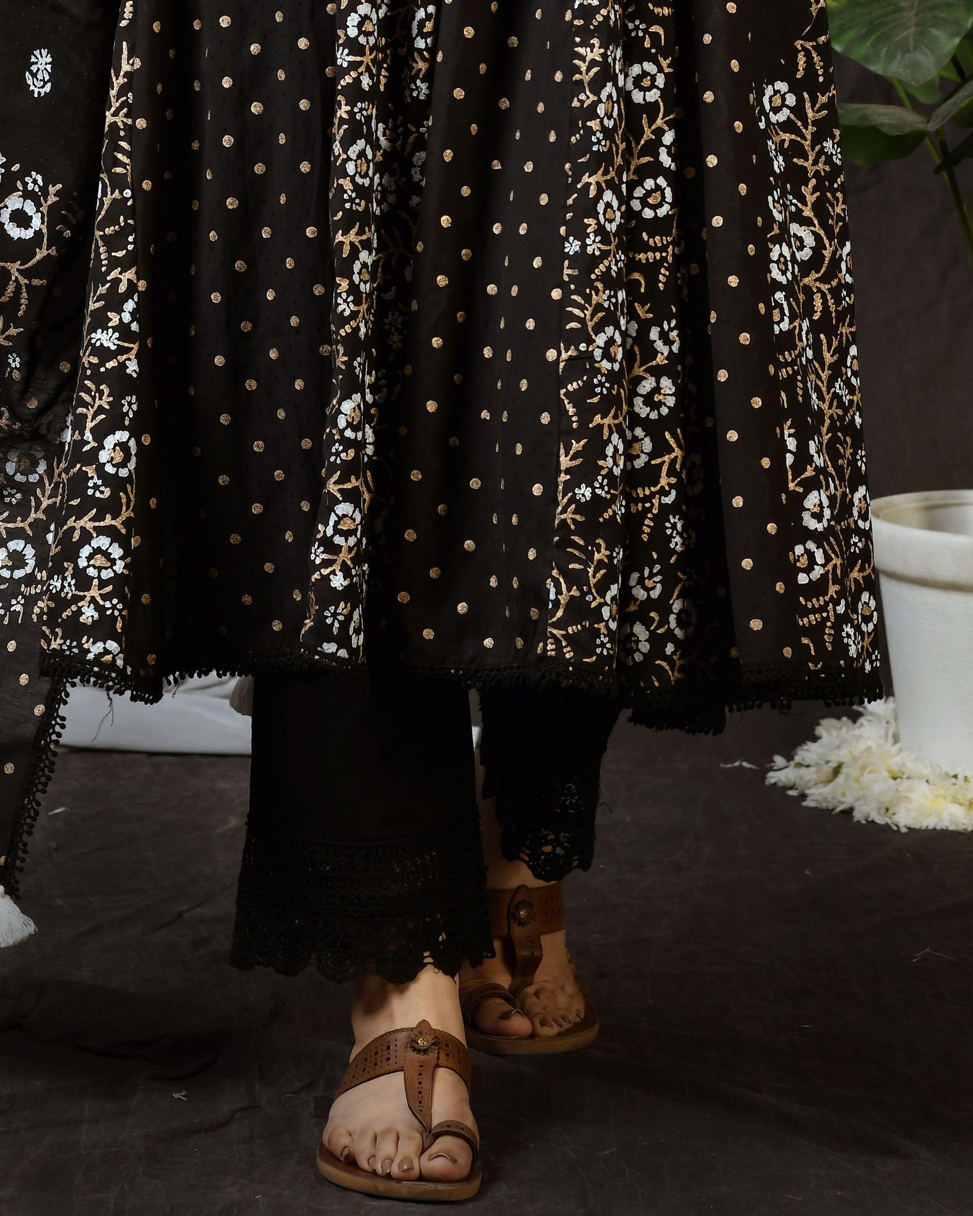 Black cotton pants with lace detailing