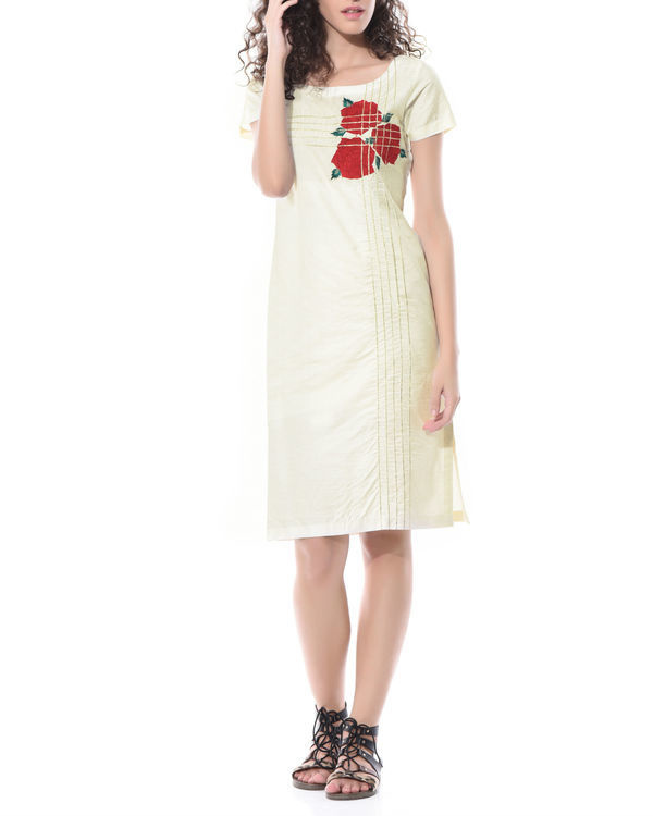 Straight linen embroidered tunic