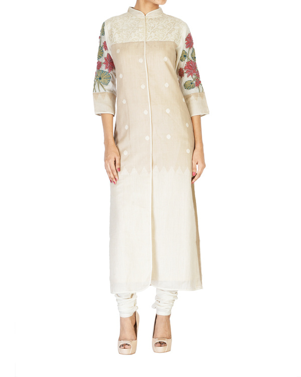 Straight cotton tunic with embroidered sleeves