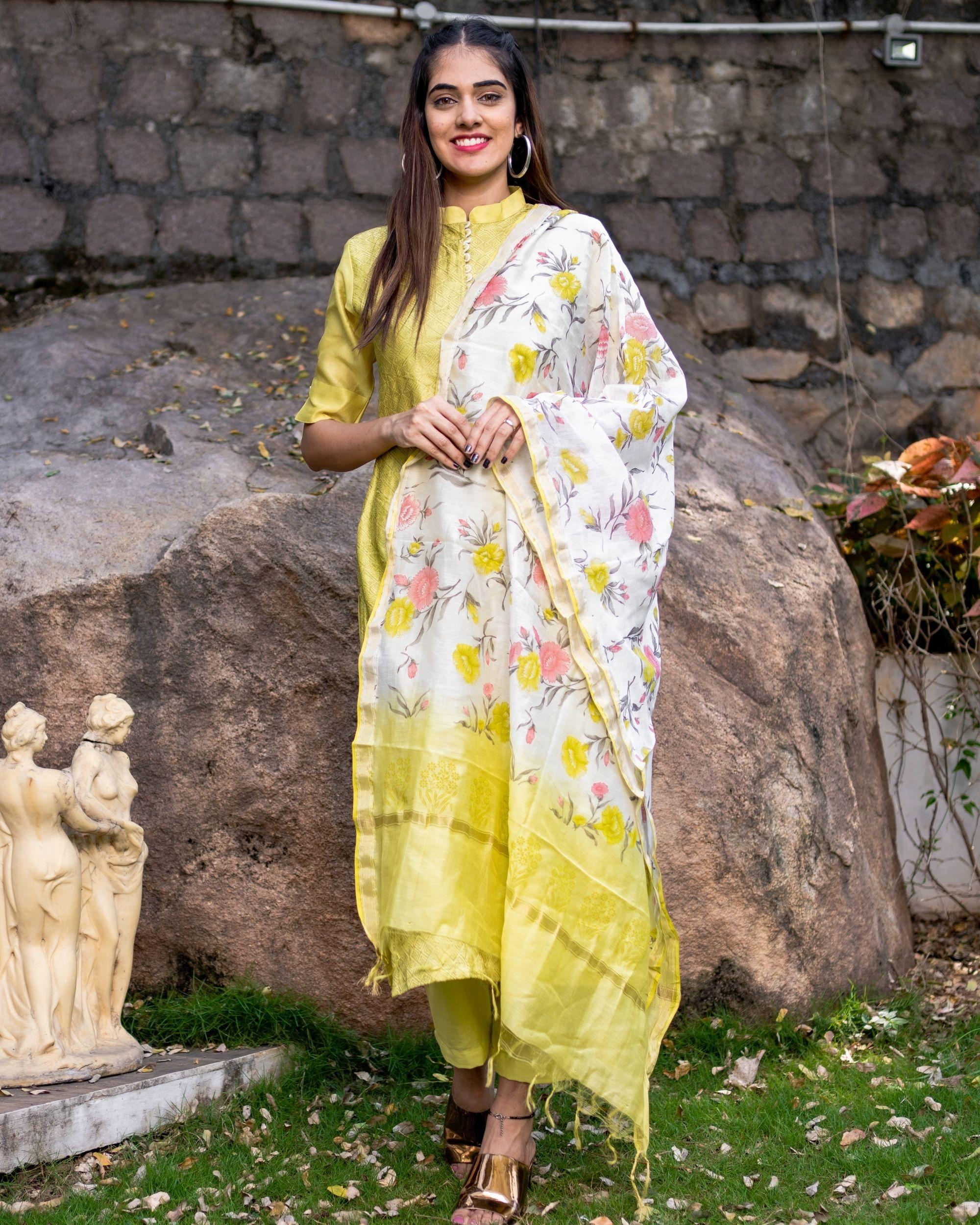 Lemon embroidered kurta set with dupatta - set of three
