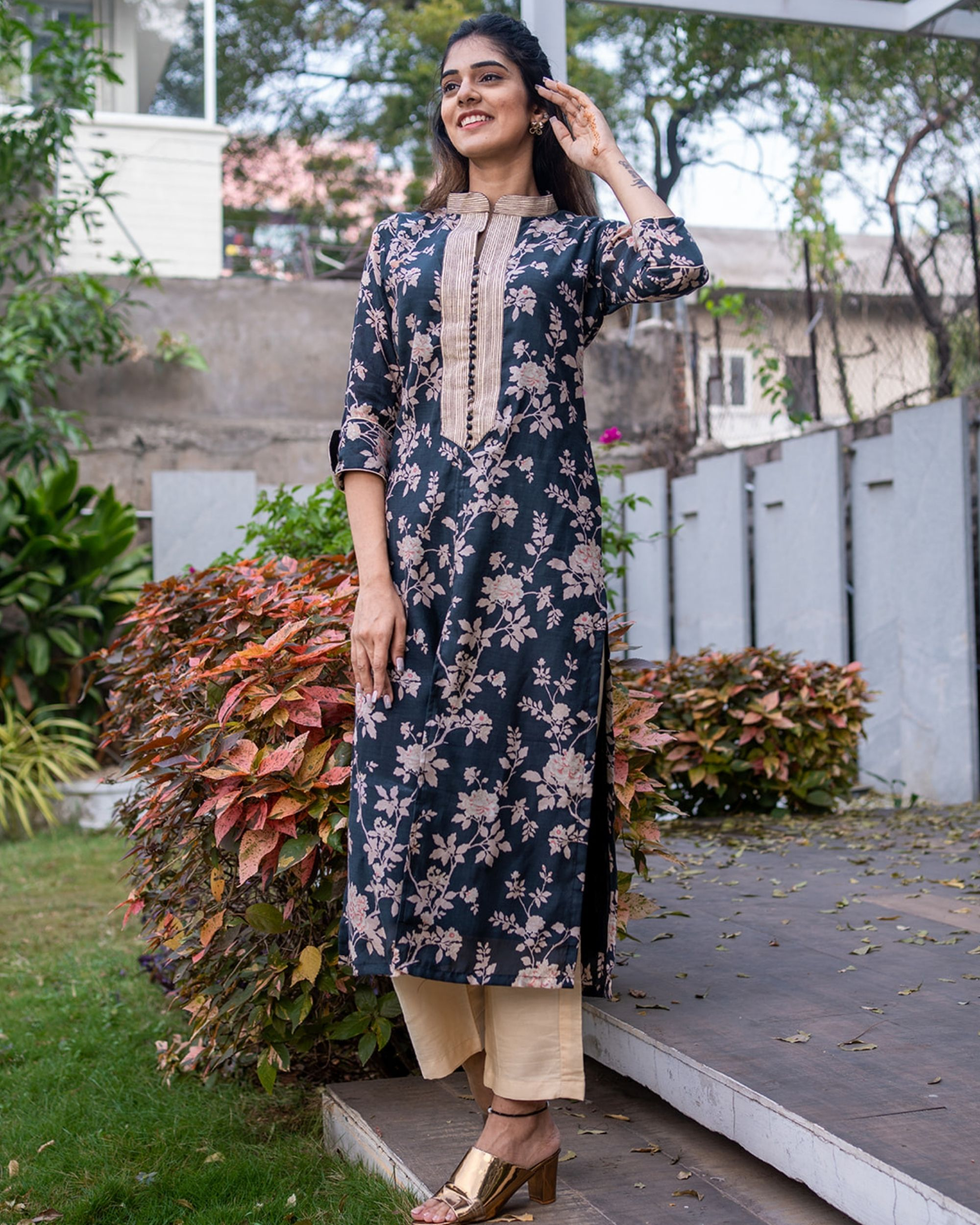 Black floral kurta with pants - set of two