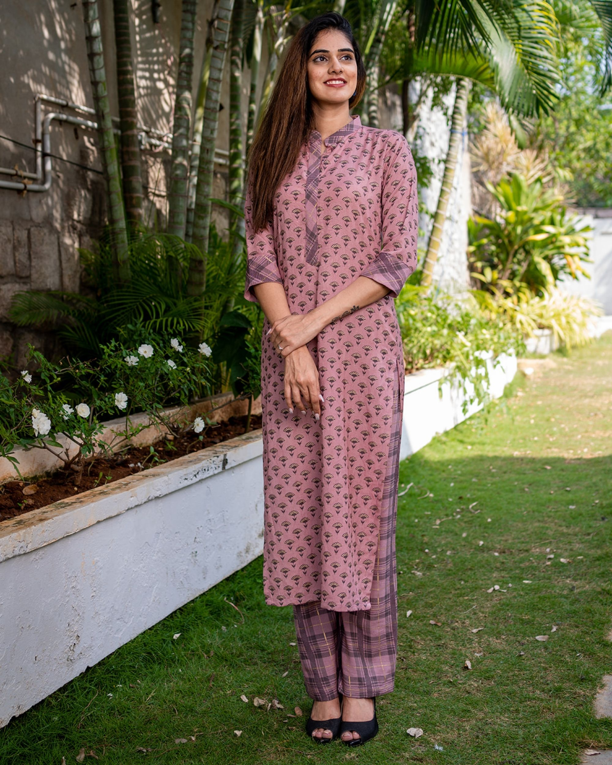 Printed pink kurta with pants - set of two