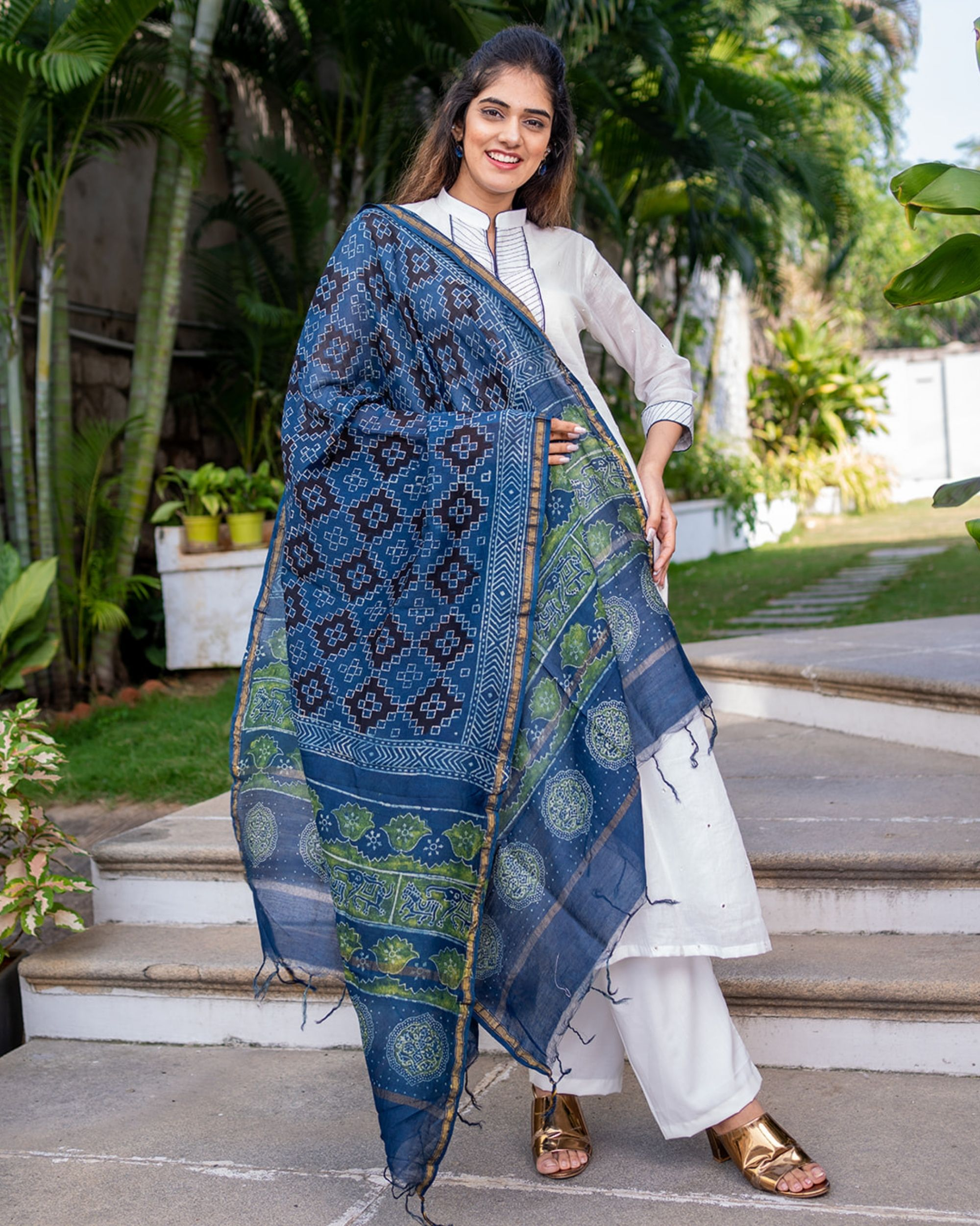 White and blue mirror work kurta with dupatta - set of two