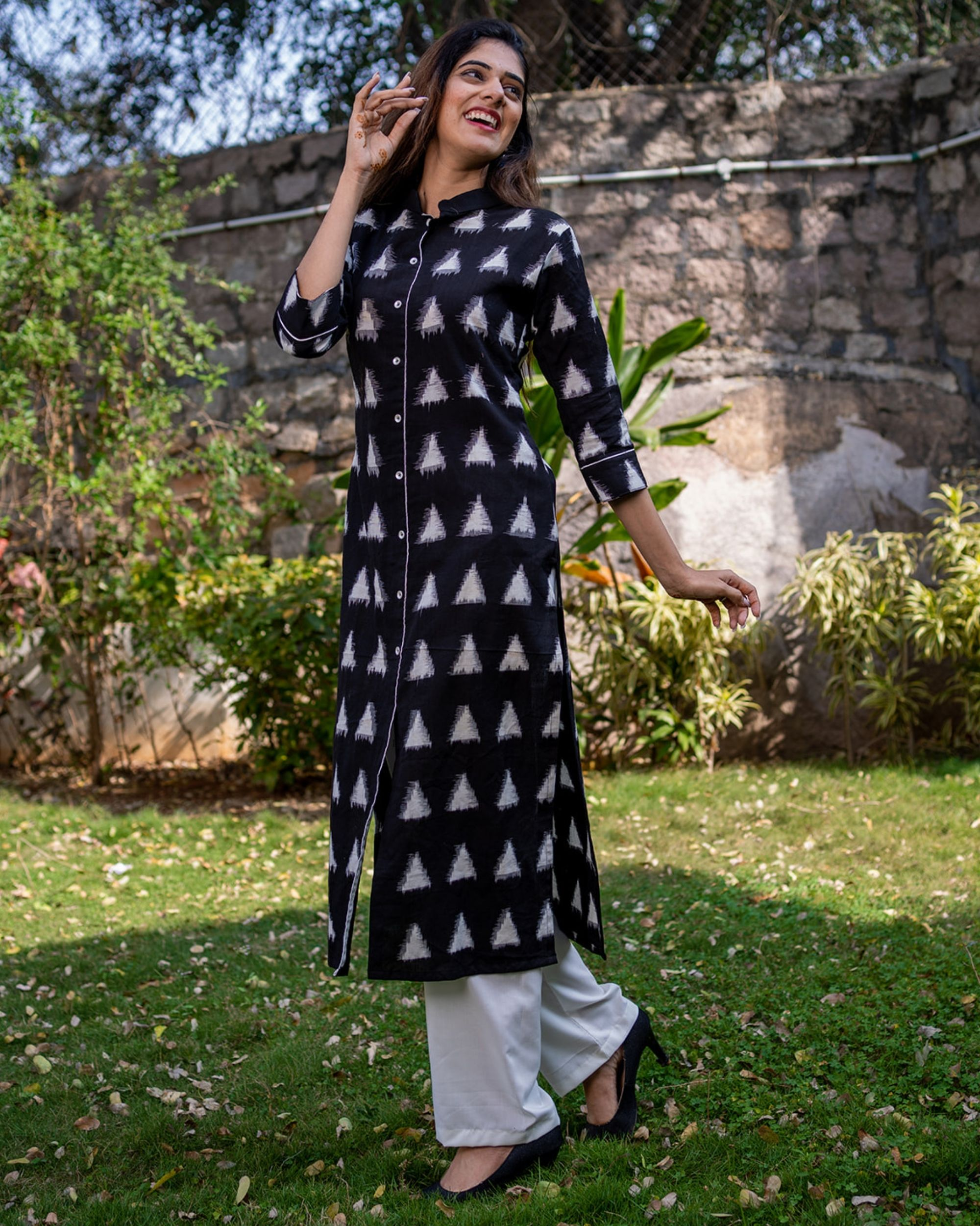 Black triangle kurta with pants - set of two