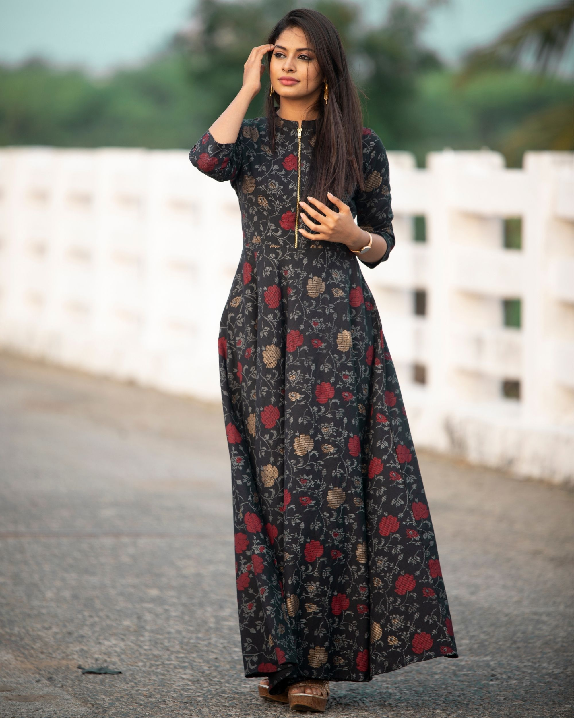 Black rose zipper dress