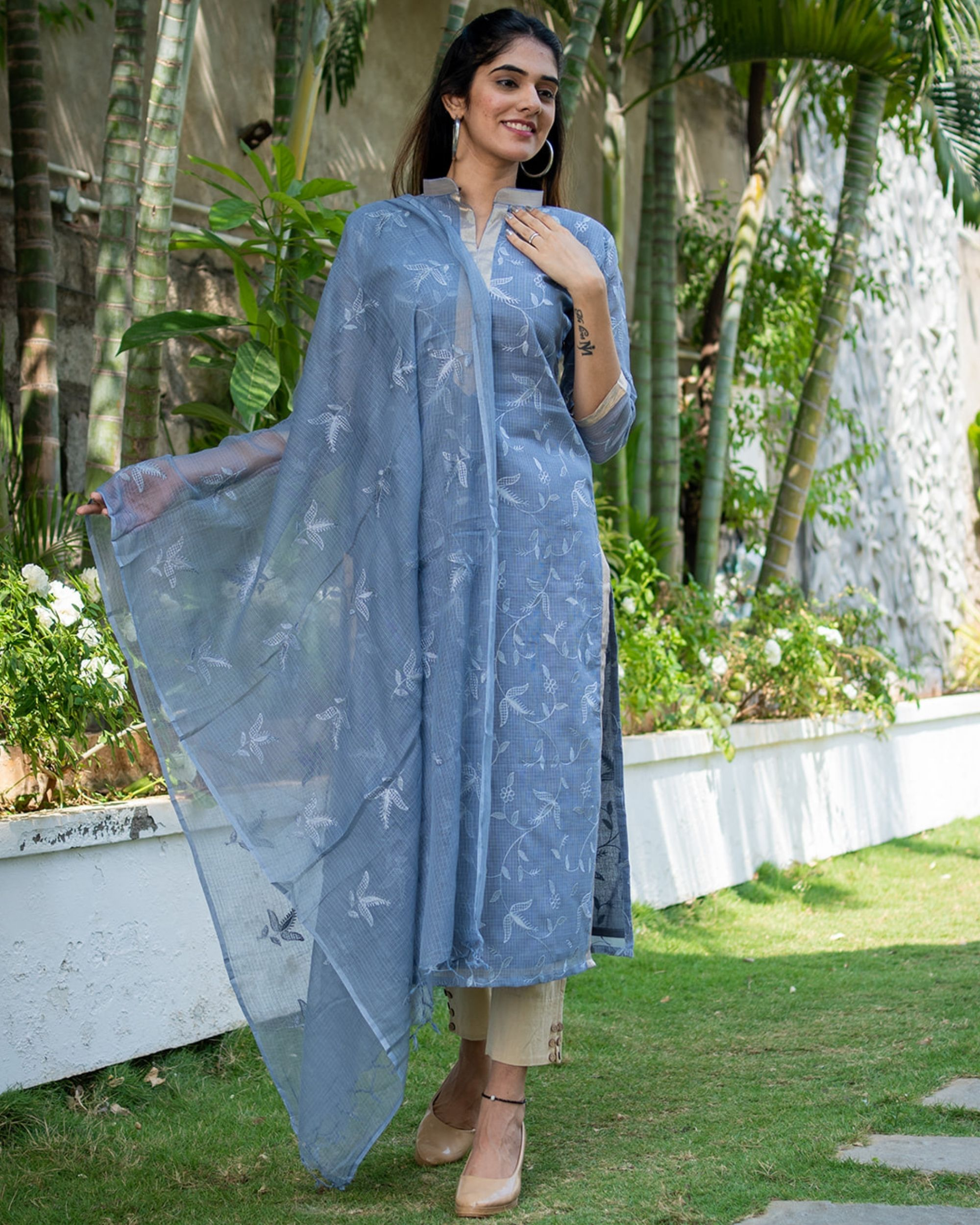Grey embroidered kurta with dupatta - set of two