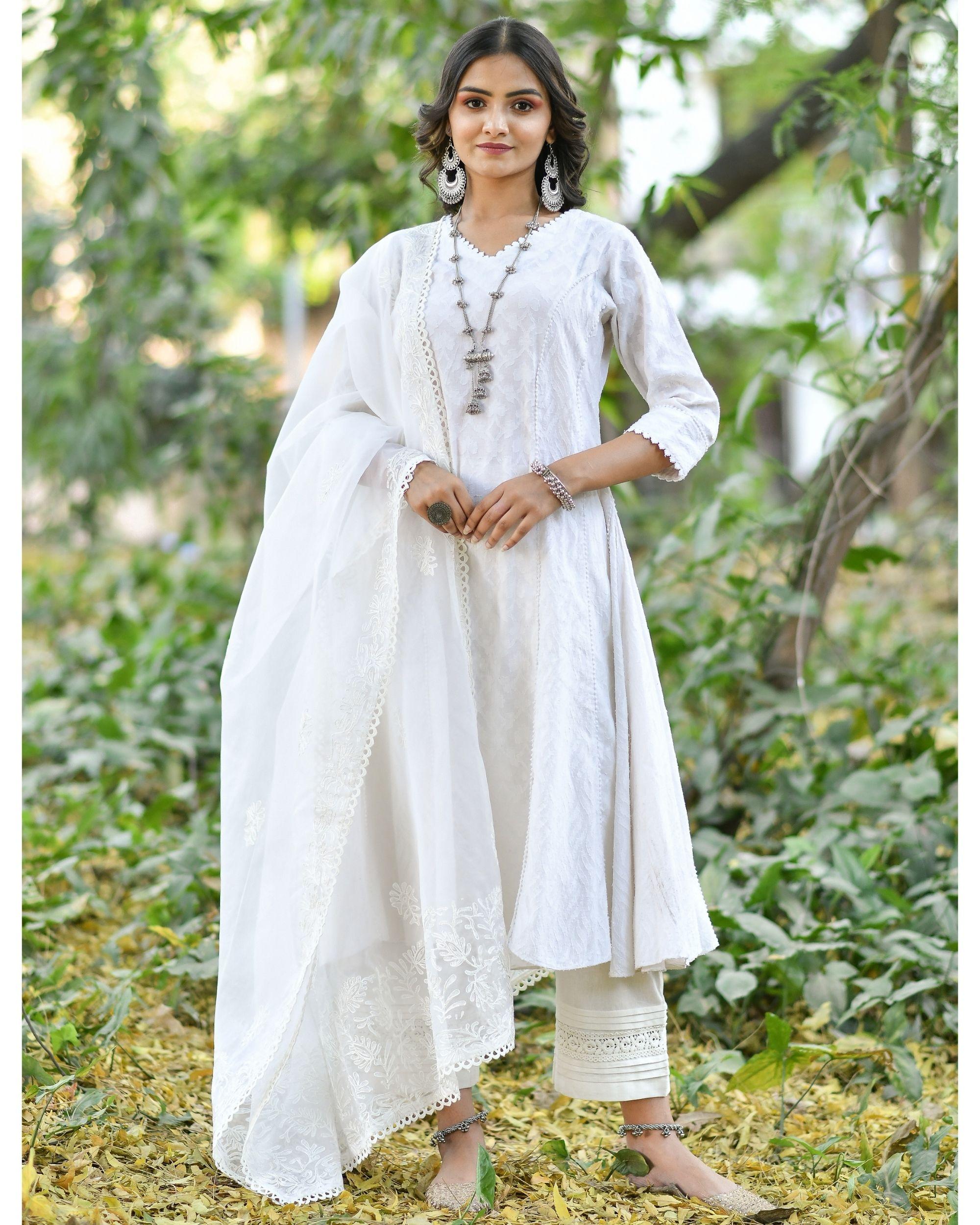 Off white jacquard cotton anarkali kurta set - set of three