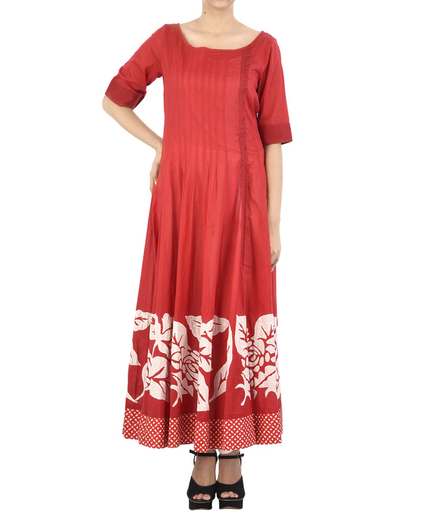 Red cotton dress with white applique
