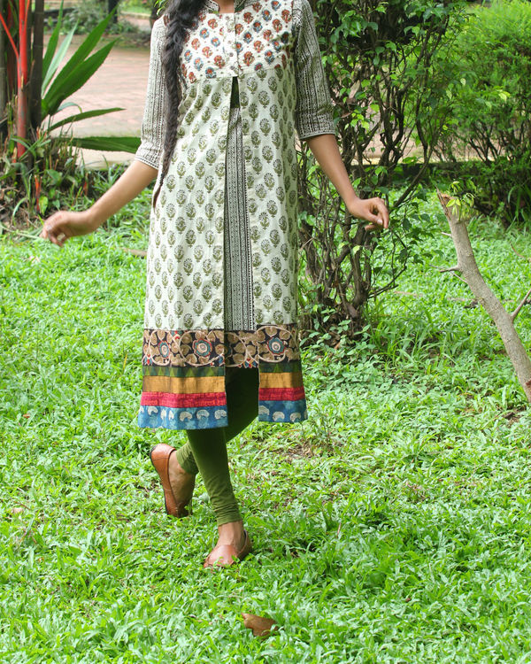 Twin set of kurti with ivory overcoat