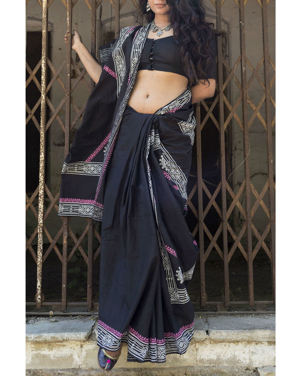 Black banjara saree with pink border