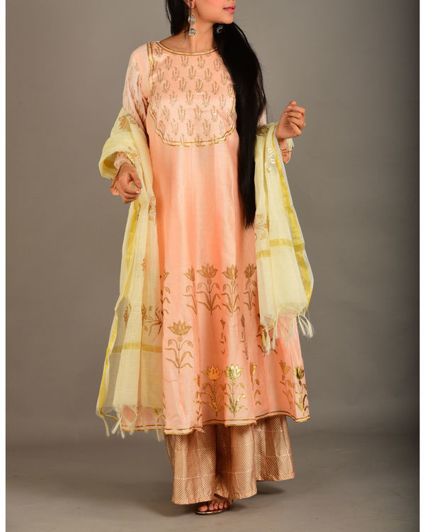 Peach kurta set with dupatta