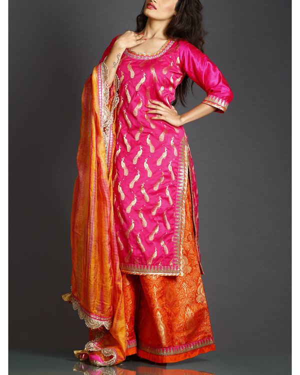 Pink kurta set with orange dupatta
