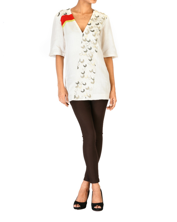Silk/linen v-neck embroidered top