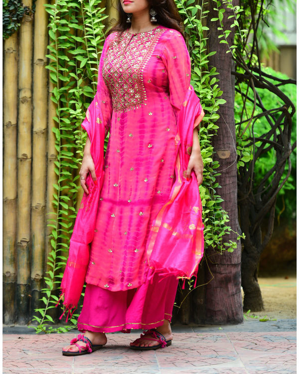 Onion pink gota patti set