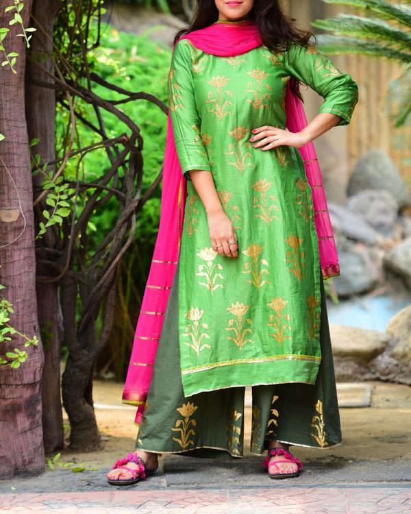 Green mughal kurta set