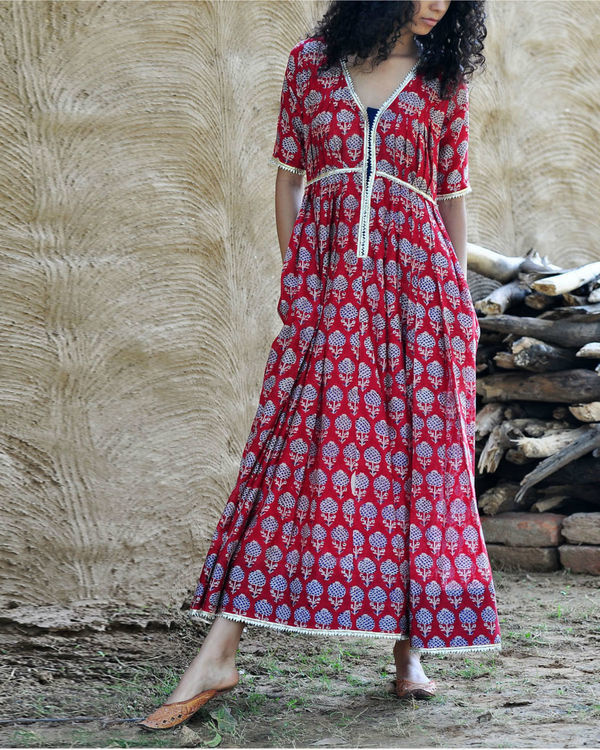 Red chanderi gown