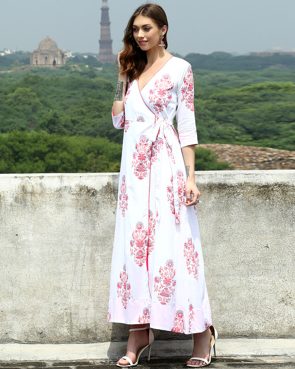 White daisy wrap dress