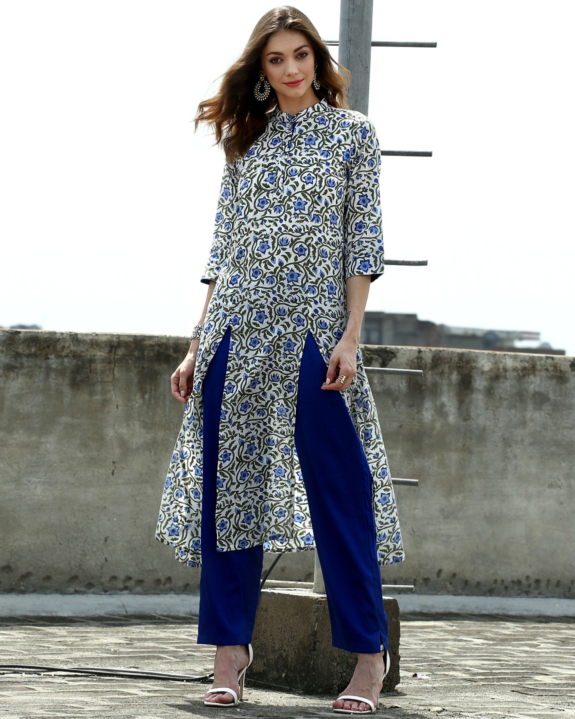 Set of floral tunic with straight pants