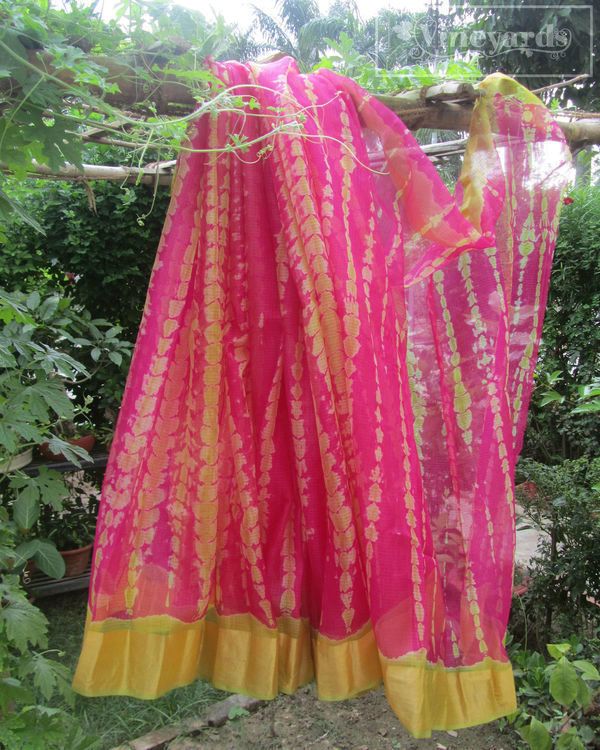Tie and dye pink saree