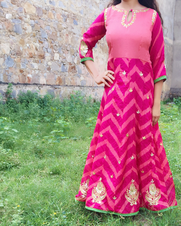 Pink leheriya gown