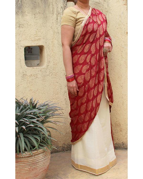 Maroon white sarong saree