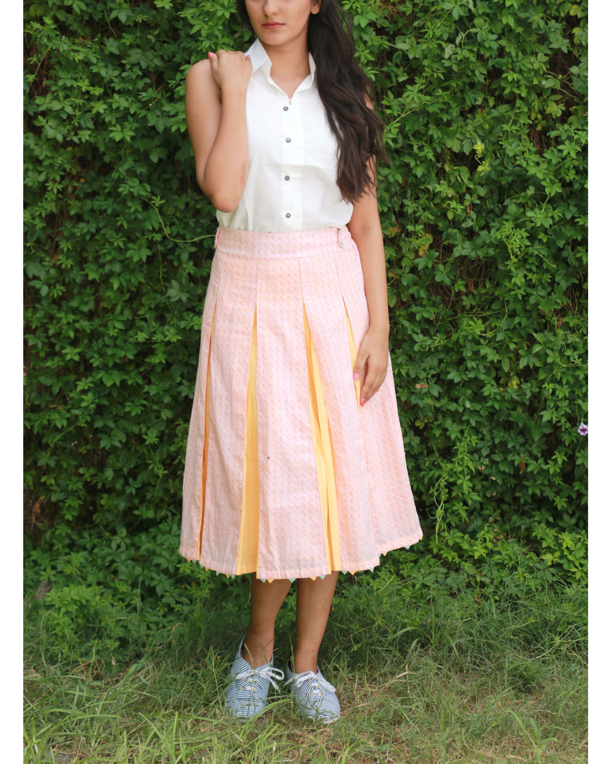 Peach box pleated skirt