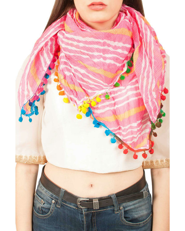 Pink leheriya scarf