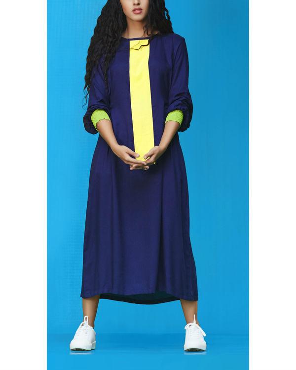 Phi dress