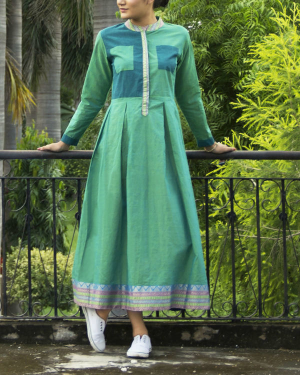 Green mangalgiri dress
