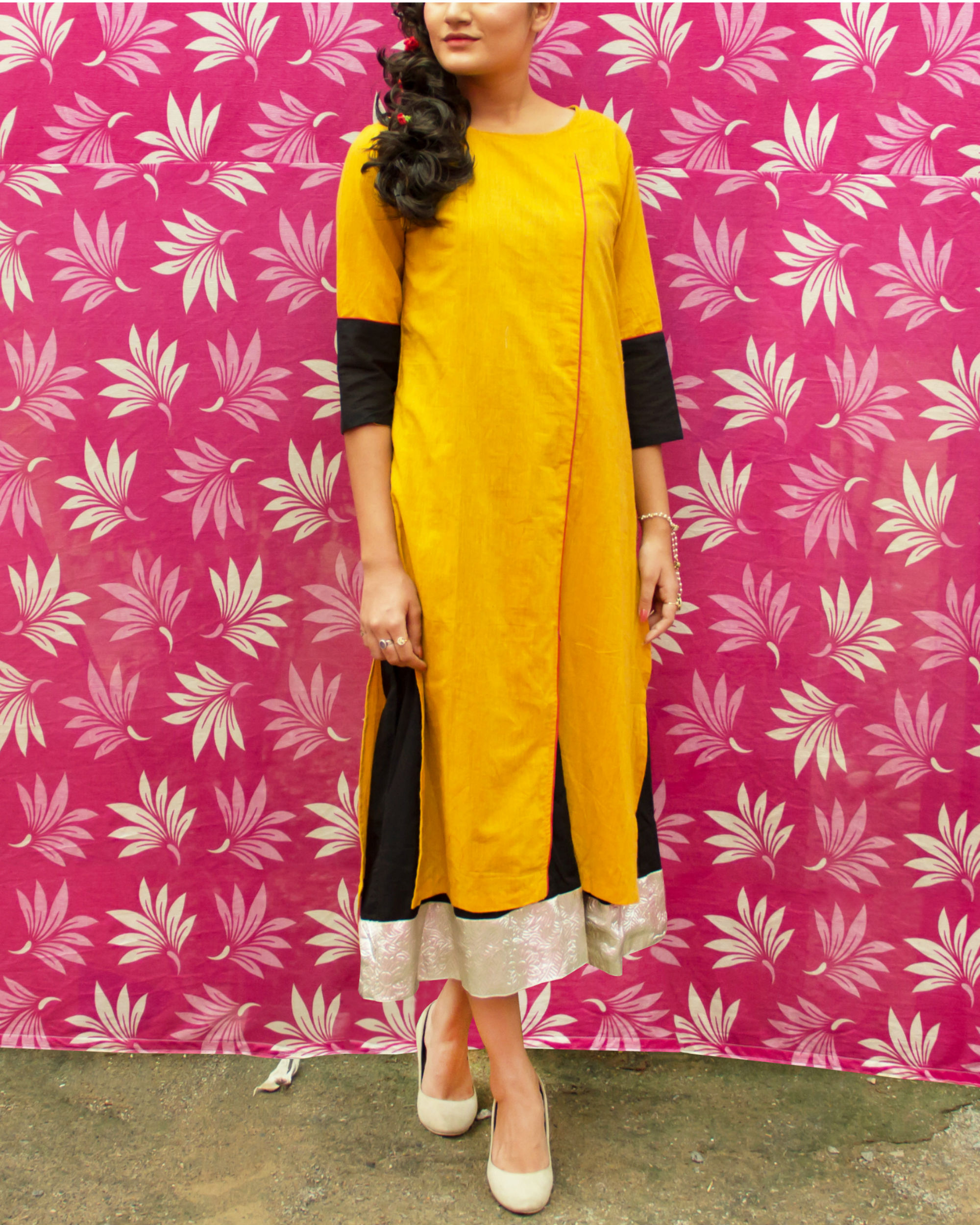 Set of yellow kurta with black lining