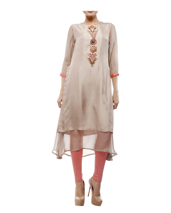 Round neck front embroidered kurta with chiffon layer, comes with a legging