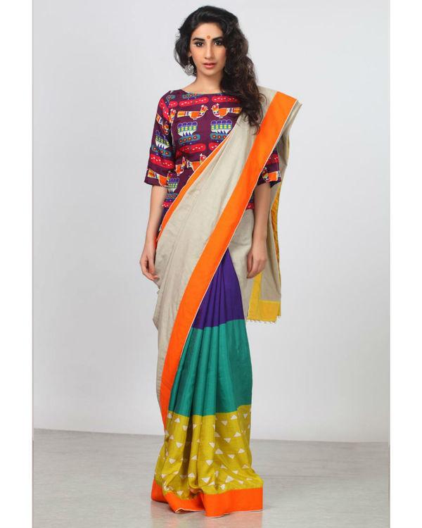 Blocked bird sari