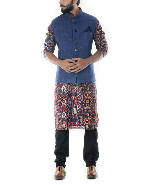 Printed bandhgala kurta with blue jacket