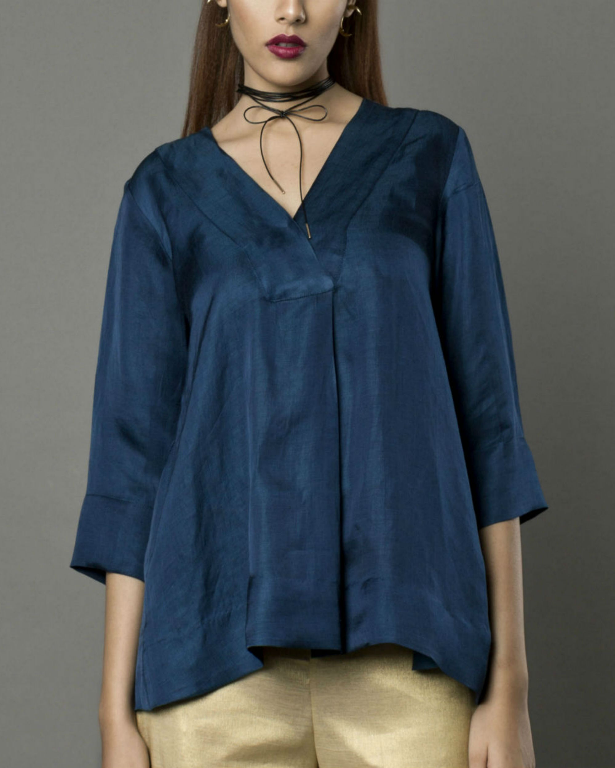 Wili navy top