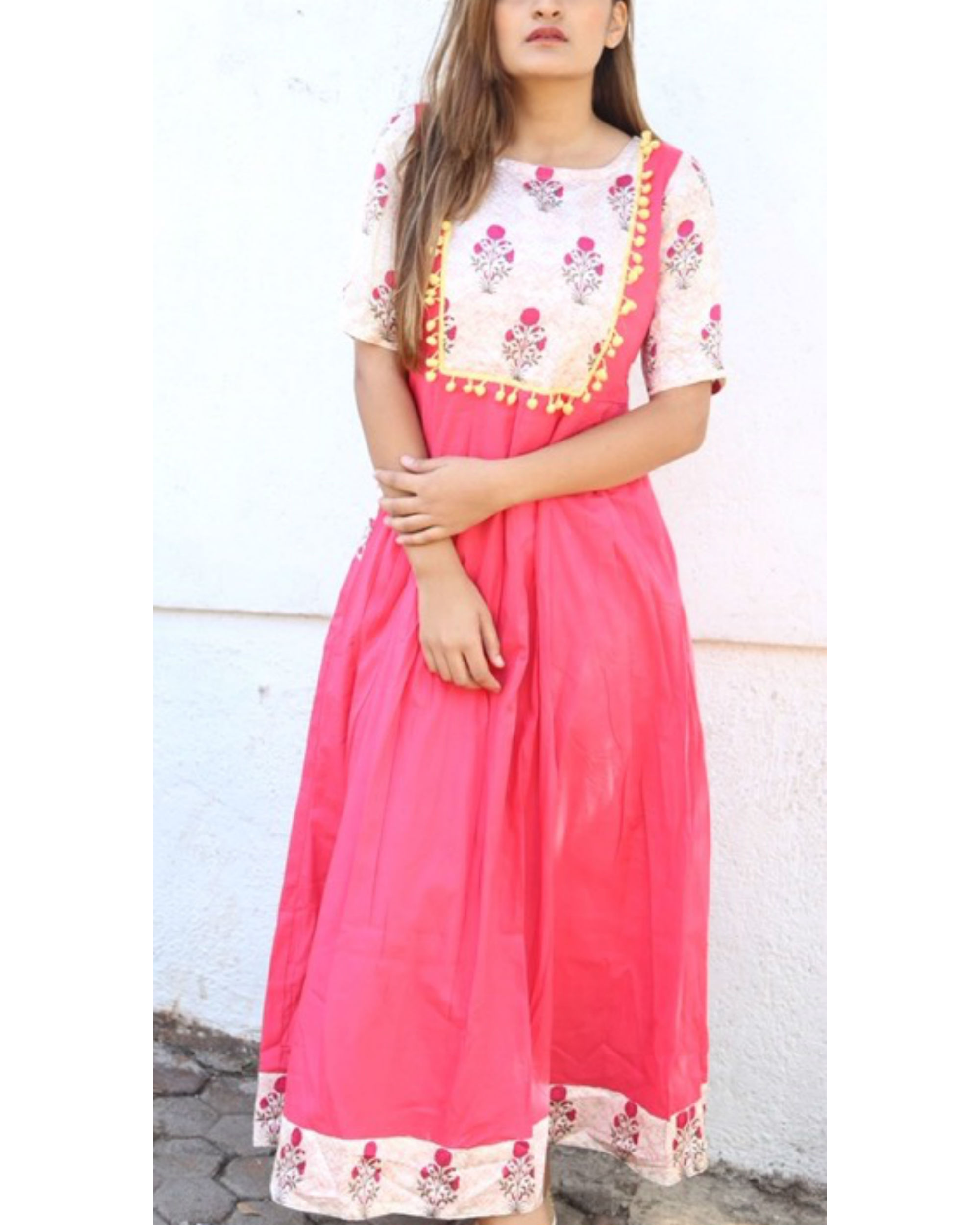 618d5a326c5 Pink and floral pom-pom maxi by Miar