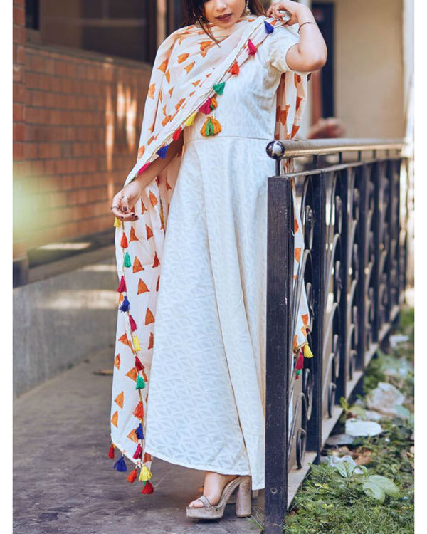 White tasseled tunic with dupatta