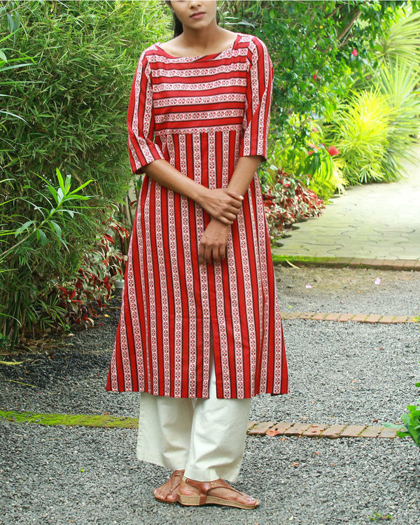 Red vertical kurta