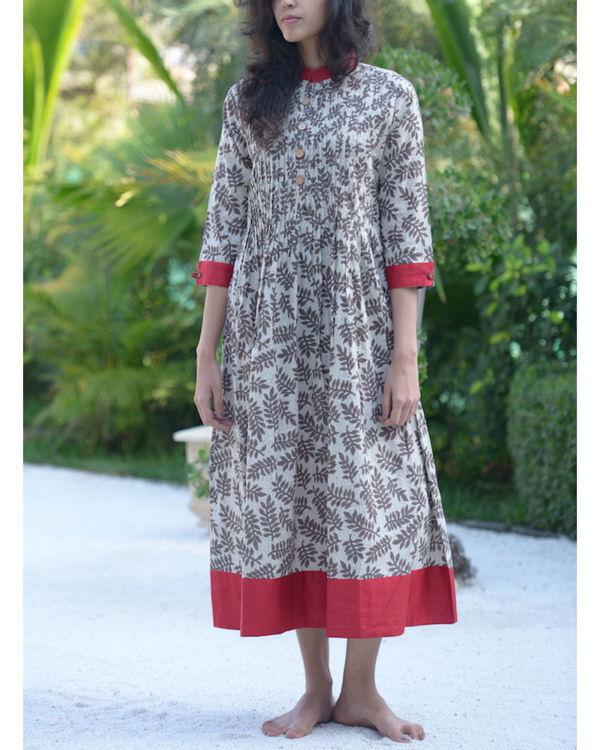Grey leaf print dress
