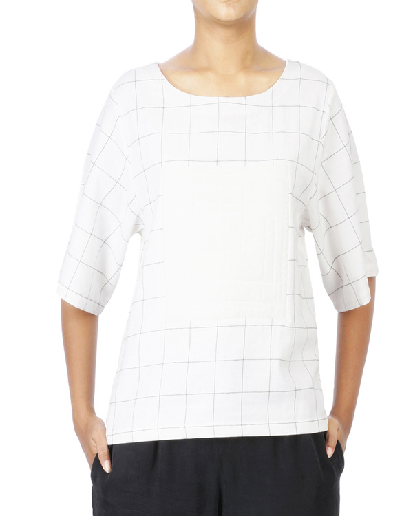 Checkered tshirt top with quilted center square