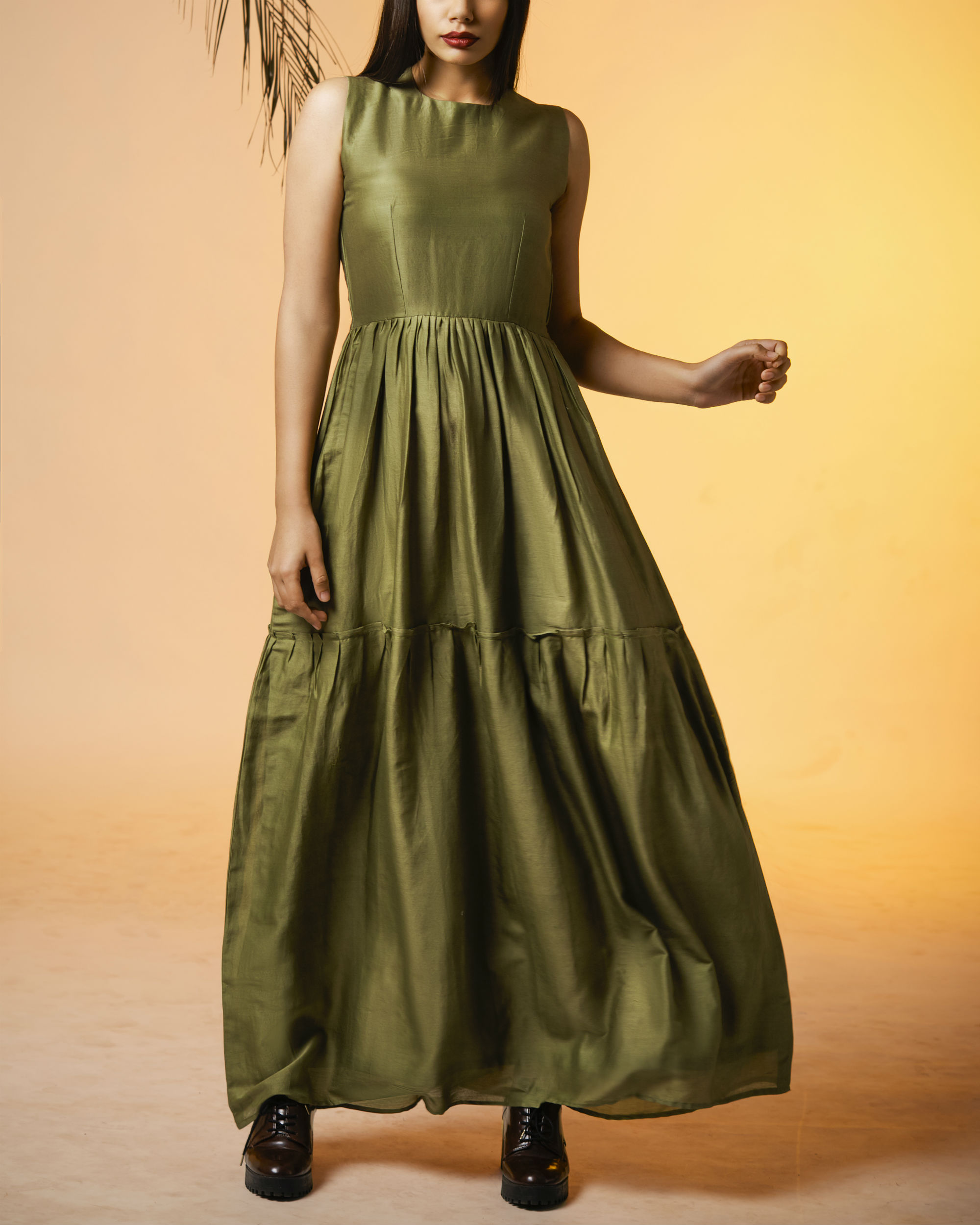 Olive back tasseled dress